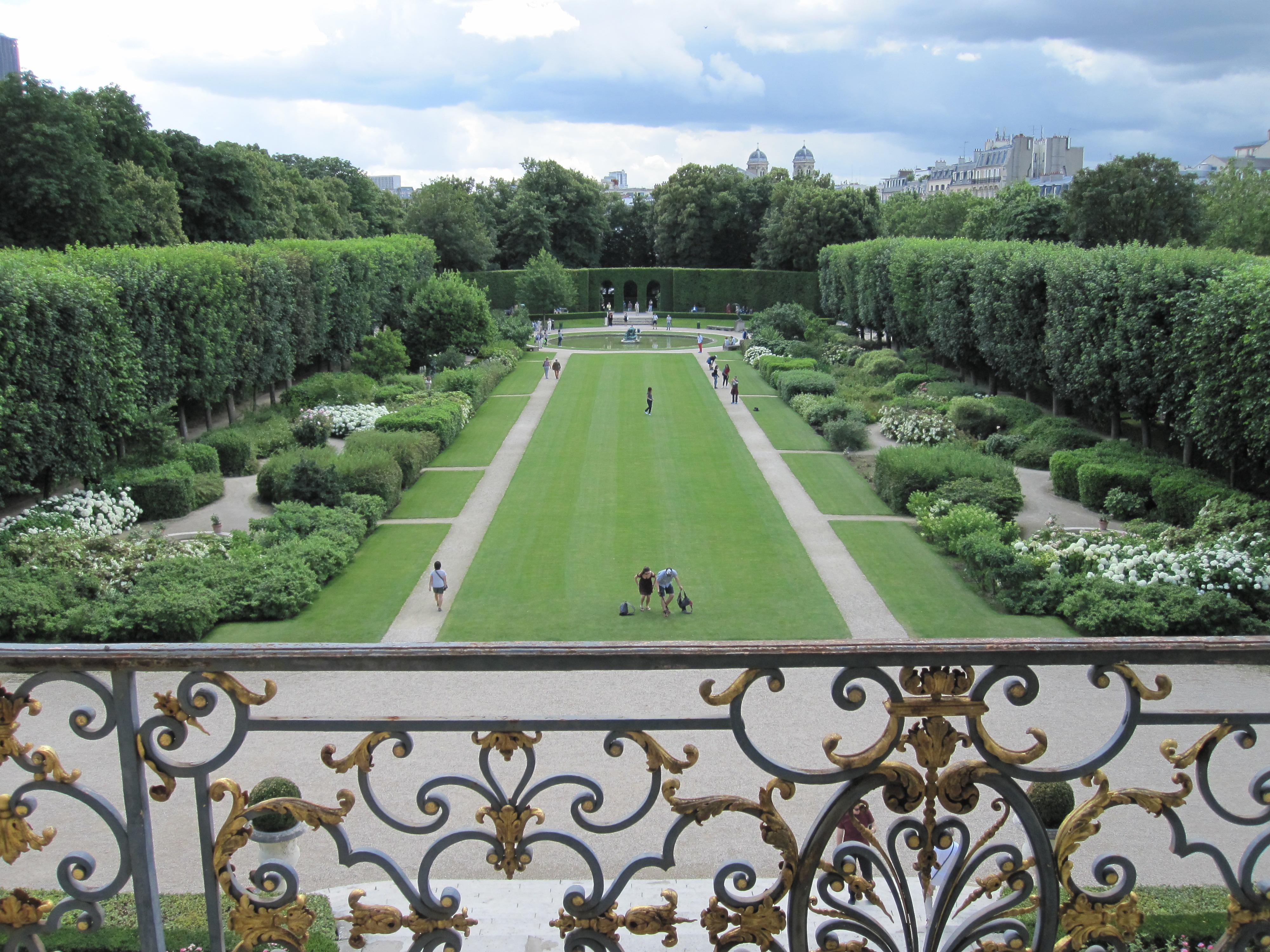 Rodin gardens from mansion balconey