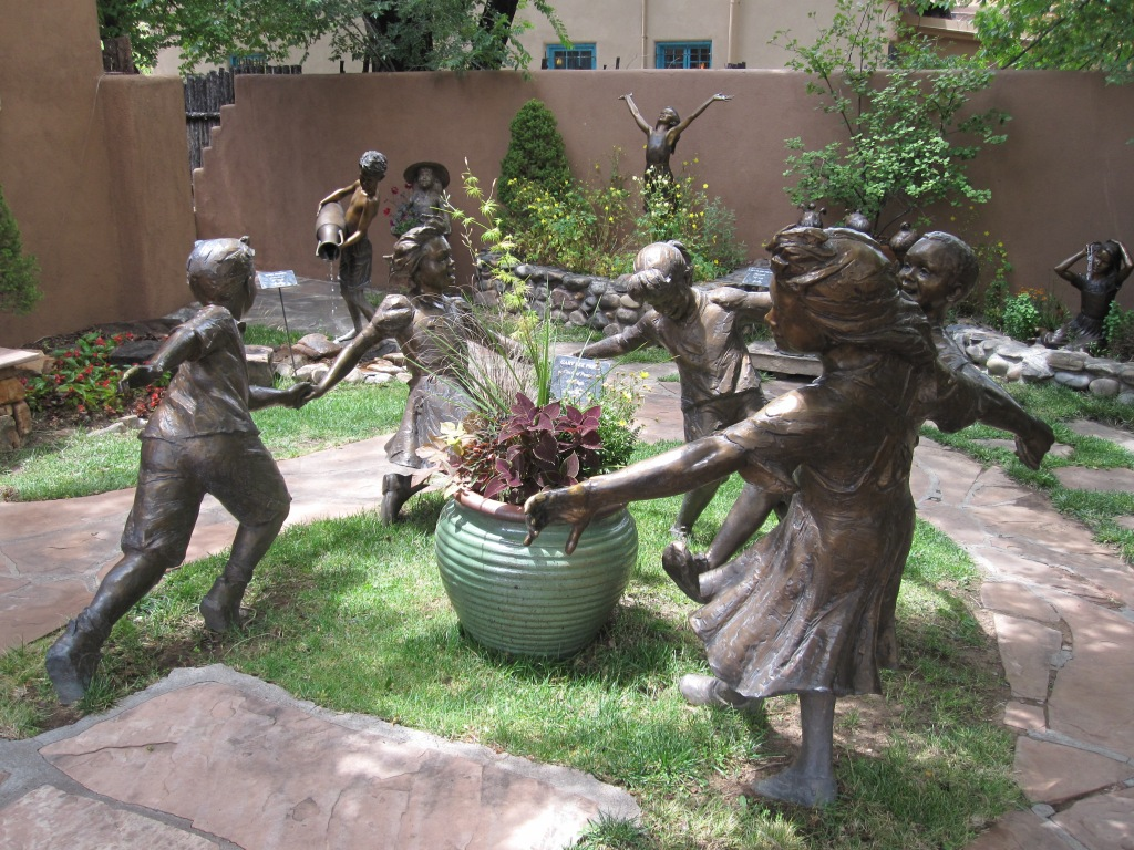 Sculpture of children playing in Santa Fe