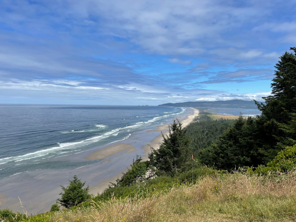 Netarts Bay, Oregon (right) and the Pacific Ocean